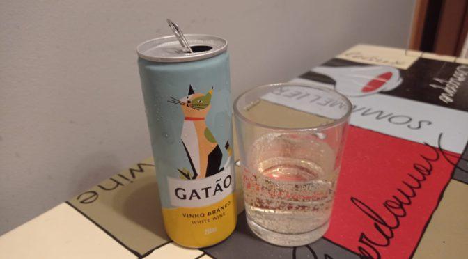 Gatão, el vino blanco portugués llega en lata